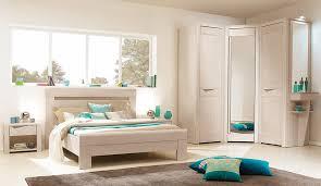 chambre à coucher sur mesure chambre a coucher en bois massif moderne idées de décoration