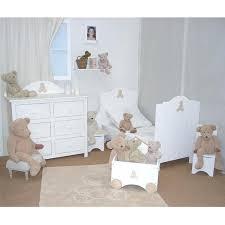 idées décoration chambre bébé idee deco chambre bebe lit bebe fille lit a barreaux pour fille