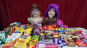 halloween candy haul trick or treat halloween candy review kid