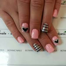 light pink with silver u0026 black designs gettn my nails did