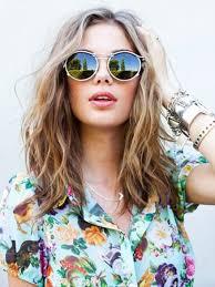 Frisuren Mittellange Haar Brille by Die Besten 25 Mittellange Wellige Frisuren Ideen Auf