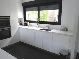 plan de travail cuisine blanc laqué modele cuisine blanc laque mh home design 21 feb 18 03 45 41