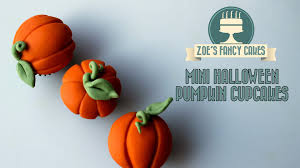 Halloween Cake Topper by Halloween Cake And Cupcake Ideas In This Video I Show You How To