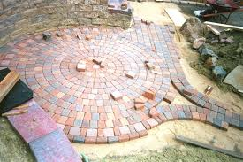 Simple Brick Patio With Circle Paver Kit Patio Designs And Ideas by Yards With Pavers Google Search For The Home Pinterest
