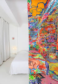 bedroom design with half of the rooms painted with paintings bedroom design with half filled bedroom with amazing graffiti art