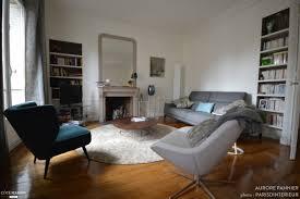 chambre jeune homme design salon contemporain dans appartement haussmannien avec parquet