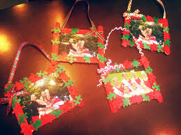 christmas picture frame ornaments made with puzzle pieces