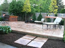 How To Lay Patio Stones by How To Lay A Stone Patio Patio Stone Deck Ideas Smashingplates