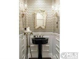 Kourtney Kardashian New Home Decor by Kourtney Kardashian U0027s Dramatic Decor Reportedly Draws Buyer