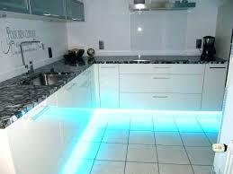 eclairage cuisine sous meuble suspension pour cuisine le pour cuisine moderne eclairage cuisine
