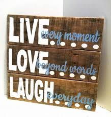 Home Decor Made From Pallets Best 25 Pallet Diy Decor Ideas On Pinterest Pallet Projects