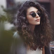can hair be slightly curly or wavy 5 fun balayage looks on naturally curly hair hairstylesout