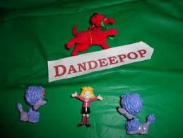 free 4 assorted clifford the big mini figurine toys