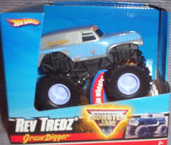 toy grave digger monster truck amazon com wheels monster jam rev tredzblue u0026 chrome grave