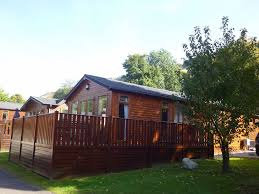 Dog Friendly Cottages Lake District by 2 Bedroom Dog Friendly Lodge In The Lake Homeaway Windermere