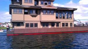 Sleepless In Seattle Houseboat by Launching Aurora Seattle Houseboat Youtube