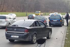 opel vectra 2017 kaune susidūrė trys automobiliai sužaloti du vairuotojai lrytas lt