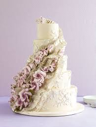 wedding cake icing the 25 prettiest wedding cakes we ve seen