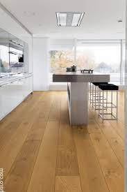 parkett k che schwarze küche kühles fußboden wohnküche dekor 564 best