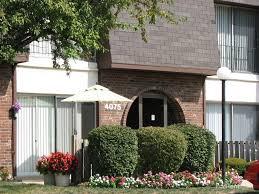 1 Bedroom Apartments Cincinnati Shadow Hill Apartments U0026 Townhouses Cincinnati Oh Walk Score