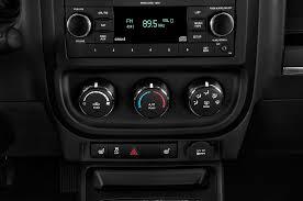 jeep patriot 2010 interior 2017 jeep patriot center console interior photo automotive com