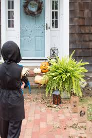 family friendly u0026 classic halloween decor for your home