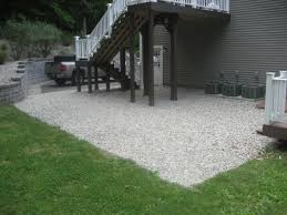 mulch and stone quality landscaping
