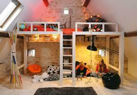 hochbetten für jugendzimmer kinderzimmer dachschräge einen privatraum erschaffen