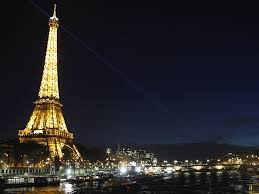 paris turns off eiffel tower lights for aleppo the independent