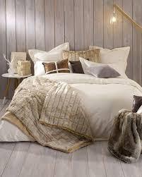 chambre coconing une chambre cocooning chaleureuse avec fausse fourrure