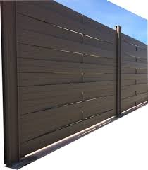 par vue de jardin bien choisir sa clôture en aluminium design la cloture alu