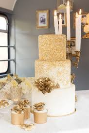 wedding cake gold best 25 glitter wedding cakes ideas on silver wedding