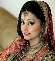 Red Bridal Dress Makeup For Brides Pakifashionpakifashion How To Get A Best Bride Makeup Pakifashionpakifashion