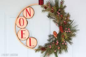 diy wreaths 10 stunning diy christmas wreaths resin crafts