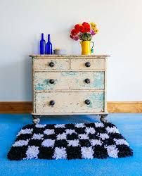 Make Rug From Carpet Video Tutorial How To Make A Rag Rug Mollie Makes