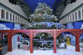 dfw holiday traditions the trains at northpark rolls in dallas