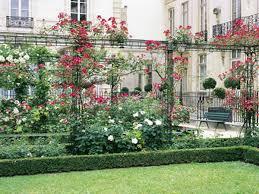 15 secret gardens and green spaces hidden around paris