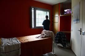 chambre d isolement en psychiatrie des mesures pour encadrer la contention dans les hôpitaux