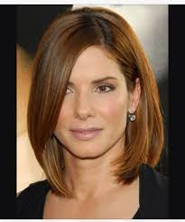 haircuts for medium length hair sort around face long side fringe below jaw curved capelli l odore dei