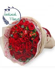 2 dozen roses dozen roses in bouquet