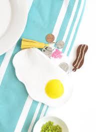 diy fried egg felt zipper pouch damask love