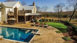 miley cyrus buys stunning 5 7 million tennessee farmhouse
