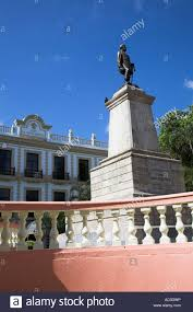 monument to general manuel cepeda peraza and el gran hotel merida