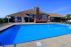 2 Bedroom Apartments In Bloomington Il by Brookridge Heights Apartments Bloomington Il Apartment Finder