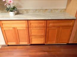 rta cabinet broker 1h honey maple shaker 900h kitchen cabinets