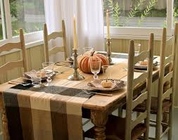 Casual Dining Table Set Up - Glass top dining table decoration