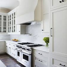 hardware for white kitchen cabinets white cabinets with oil rubbed bronze hardware design ideas