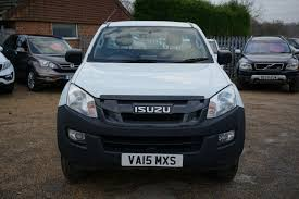 isuzu dmax 2015 used 2015 isuzu d max td scb 4wd with bluetooth handsfree 40 mpg