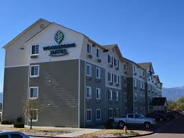 Airport Hotels Become More Than A Convenient Pit Book Woodspring Suites Colorado Springs Airport Colorado Springs