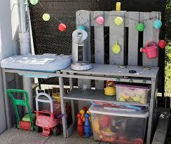 diy cuisine enfant cuisine d extérieur pour enfant en palette backyard
